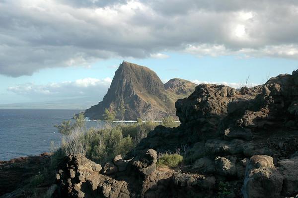 Kuhakuloa Head - from the western cliffs above Kuhakuloa Bay - Central Maui region