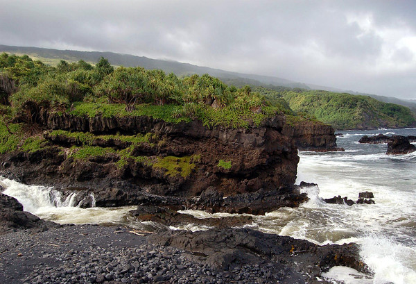 Confluence of the Pipiwai Stream (flowing from the Kipaulu Gap, on the southeastern flank of Mauna Haleakala) and the Pacific Ocean - Haleakala National Park - Southeast island region