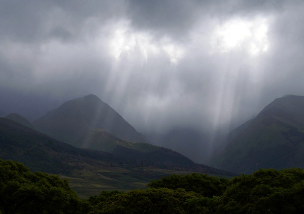 Sunrays penetrating the clouds, at the Ukumehame Gulch - with Koai (L), rising to 2,585 ft. (788 m), which is about half way up the southwestern flank of Mauna Kahalawai (South Maui Mountain) Volcano - West Maui region