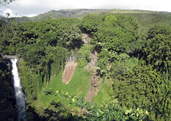 Shadow across Makahiku Falls - sourced by the Pipiwai Stream - Haleakala National Park - Southeast island region
