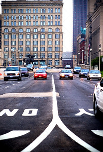 Downtown Chicago busy city intersection