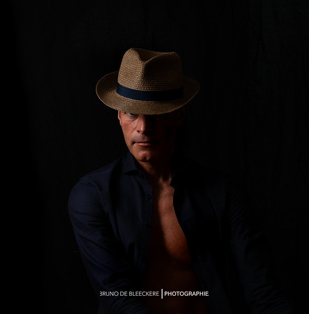portrait avec chapeau - décembre 2018