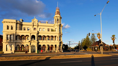 Hotel Victoria 1888 at Kerferd Road, Albert Park, Melbourne