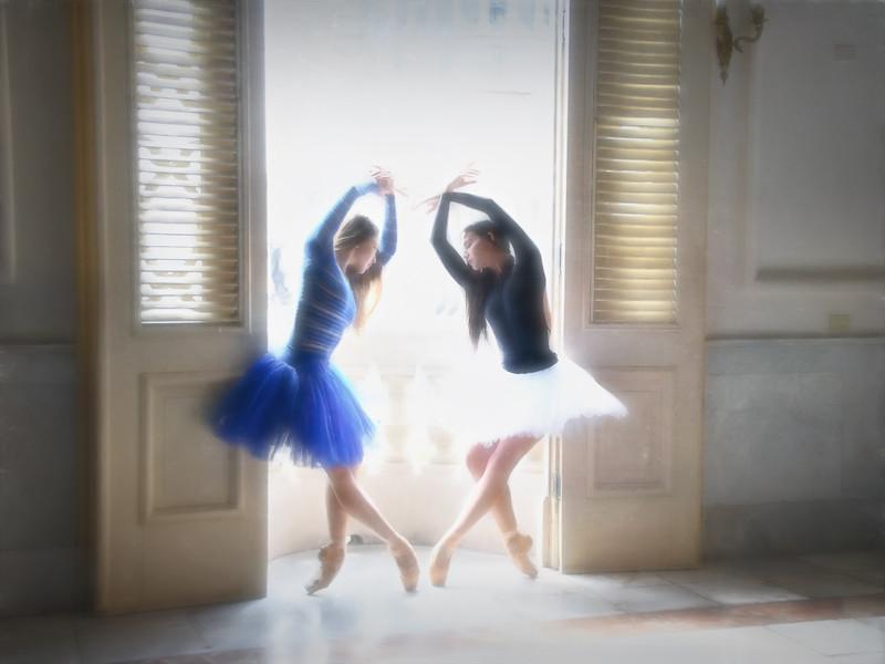 Dreamy Dancers