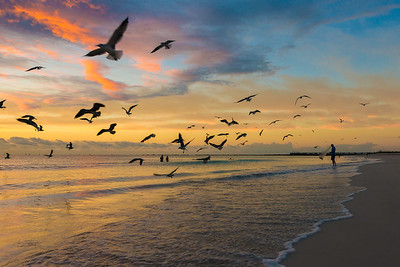 Fishing at sunrise in Mimai Beach Florida