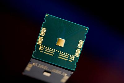 Intel Tera-Flop Chip, 80-Core Microprocessor