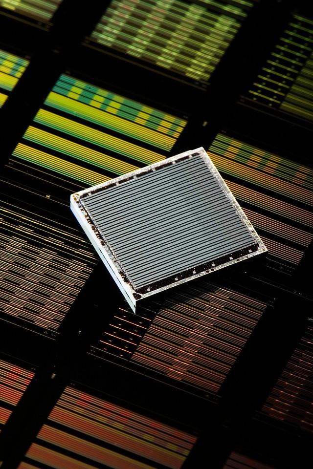 Silicon Hybrid Laser, Intel Corp.