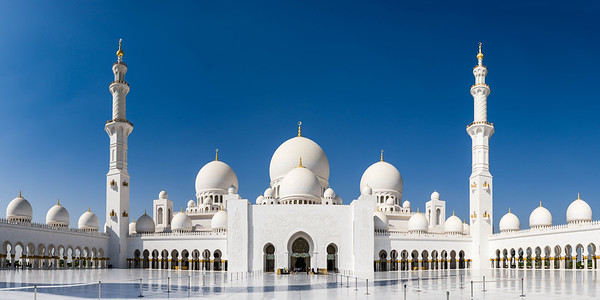 Central courtyard, Grand Mosque, Abu Dhabi