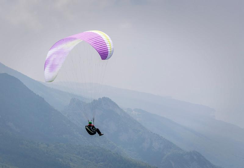 Paragliding off Bocca di Tratto Spina, Malcesine.
