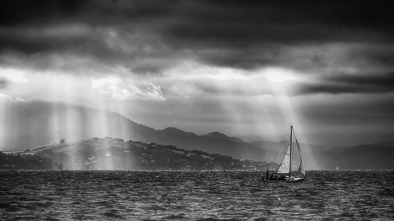 Sailing in Black and White