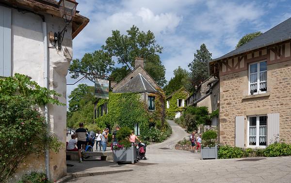 Saint Ceneri le Gerei, Normandy