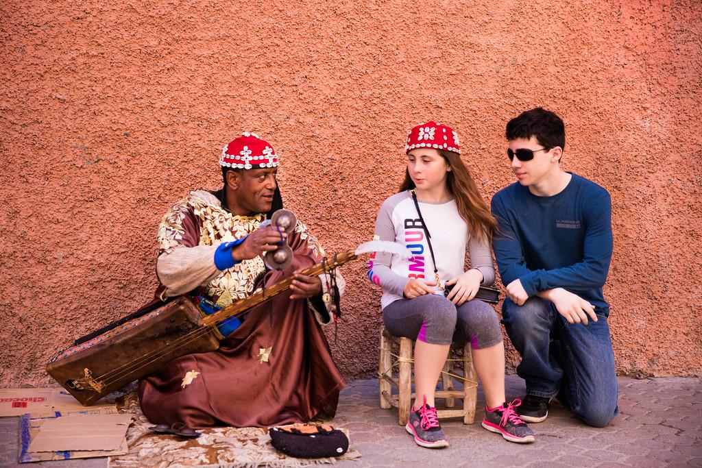 Moroccan shashiya music lesson.