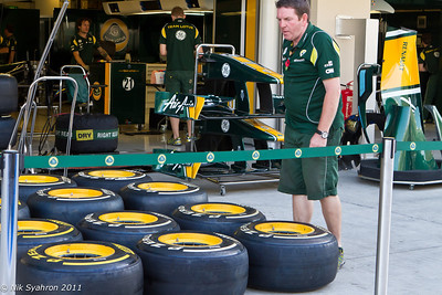 Team Lotus tyre man