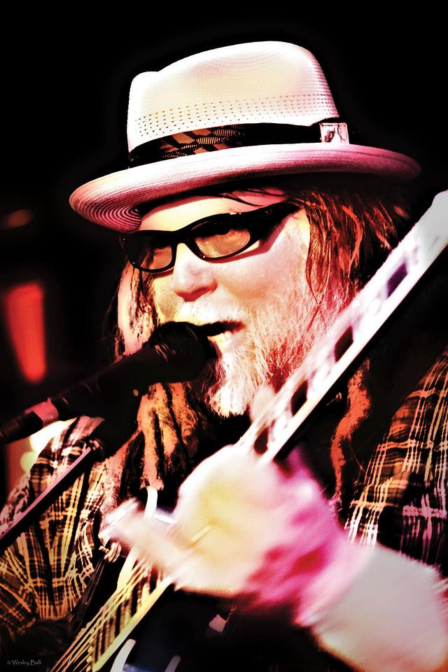 "March 2010<br /> Papa Mali_-Vocals/Guitarist  <a href=""http://papamalimusic.com/"">http://papamalimusic.com/</a>"