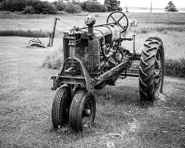Old Tractor B W 01 (jpeg)_