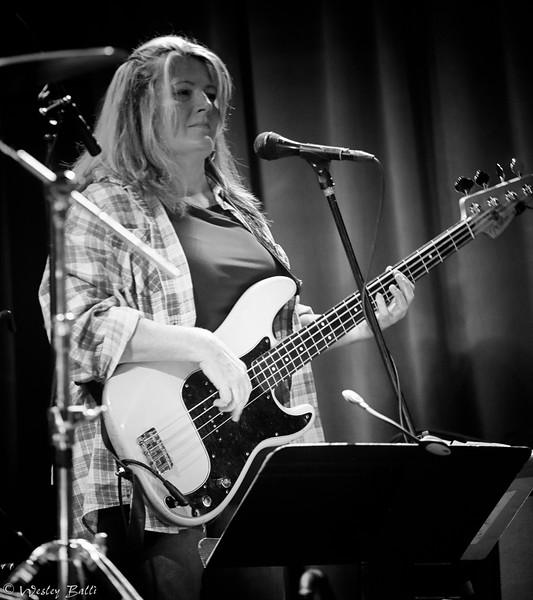 Julieann Banks, bass