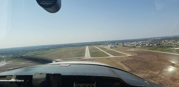 Short Final at Spinks Runway 17R