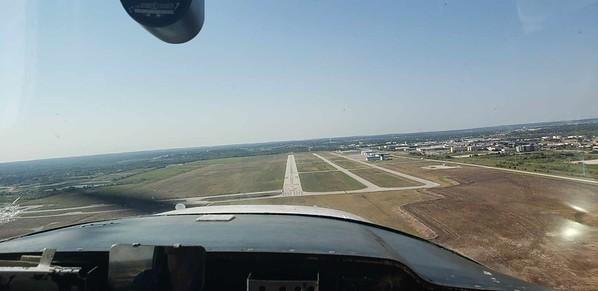 Short Final at Spinks Runway 17R