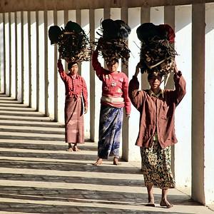 Walkway #1, Shwezigon Paya (Pagoda), Bagan (Pagan)