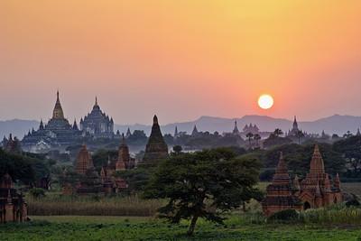 Golden Sunset, Plain to Temples, Bagan (Pagan)