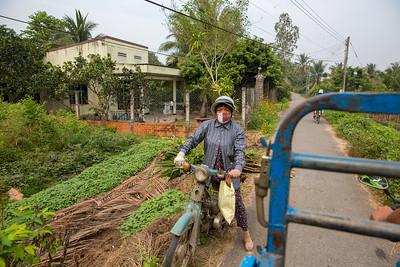 Missing Left Turn Signal    Bến Tre, Vietnam