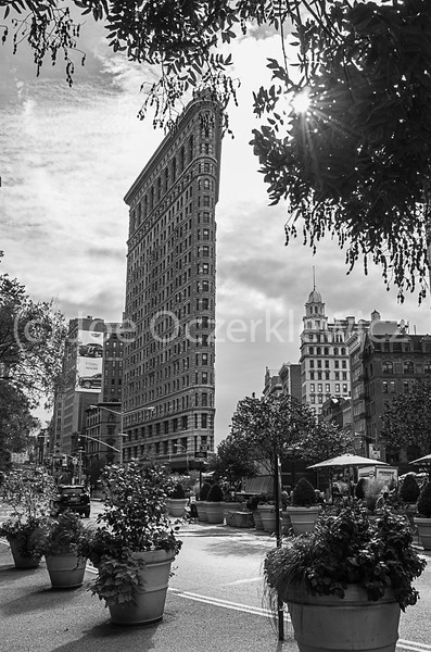 Flatiron Building on 5th Ave & 23rd St