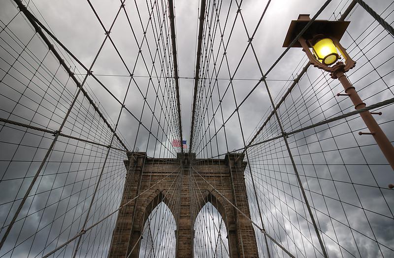 Brooklyn bridge iron web<br /> © Apostolos Zabakas