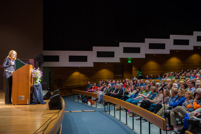 """Gloria Steinem packs the Davis Concert Hall, the Salisbury Theatre and several designated overflow classrooms in the Gruening Building for a public lecture sponsored by Summer Sessions and Lifelong Learning.  <div class=""""ss-paypal-button"""">Filename: LIF-15-4556-164.jpg</div><div class=""""ss-paypal-button-end""""></div>"""