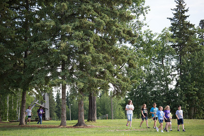 UAF Recreational Camp students tour around campus.  Filename: LIF-12-3428-7.jpg