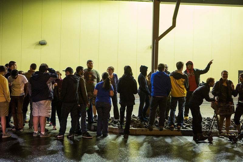 "Students line up at the entrance before the Fred Meyer College Night shopping extravaganza.  <div class=""ss-paypal-button"">Filename: LIF-13-3926-1.jpg</div><div class=""ss-paypal-button-end"" style=""""></div>"