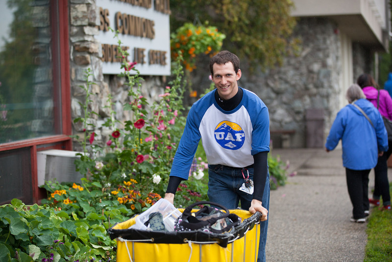 """Shaun Nesheim takes another load of personal belongings up to its designated dorm room during Move-In Day Sunday, August 26, 2012 in front of the Moore, Bartlett, and Skarland complex.  <div class=""""ss-paypal-button"""">Filename: LIF-12-3511-94.jpg</div><div class=""""ss-paypal-button-end"""" style=""""""""></div>"""