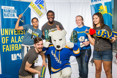 UAF student ambassadors take a portrait during the summer 2016 Inside Out event hosted by the UAF's Office of Admissions and the Registrar.  Filename: LIF-16-4926-71.jpg