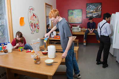 Residents of Skarland Hall fend for themselves in their communal kitchen during spring break.  Filename: LIF-12-3322-055.jpg