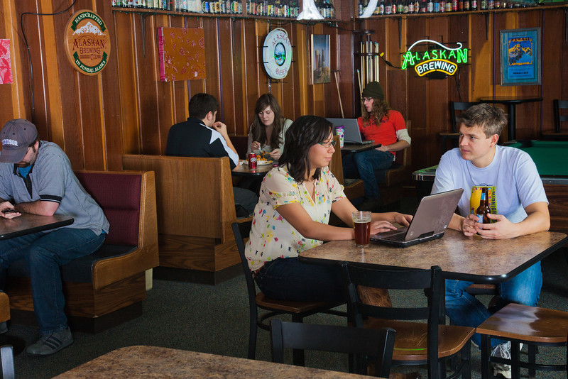 "Students enjoy the atmosphere in the Wood Center Pub to eat, study or share a cold drink with friends.  <div class=""ss-paypal-button"">Filename: LIF-11-3217-158.jpg</div><div class=""ss-paypal-button-end"" style=""""></div>"