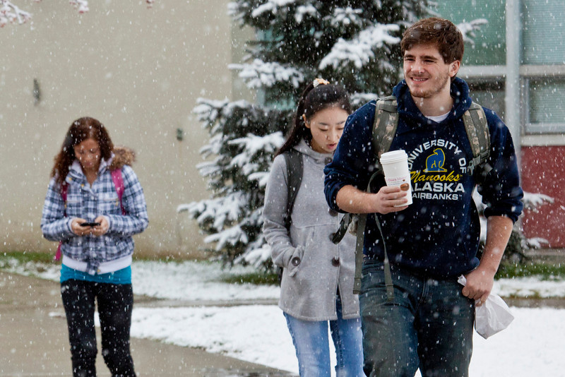"""Students leaving Bunnell on Monday afternoon encountered the first snowfall of the semester.  <div class=""""ss-paypal-button"""">Filename: LIF-11-3199-18.jpg</div><div class=""""ss-paypal-button-end"""" style=""""""""></div>"""