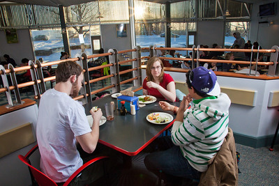Students enjoy their lunch break in the Lola Tilly Commons.  Filename: LIF-11-3220-134.jpg