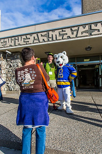 Returning students, staff and parents all pitch in to help new arrivals move into the residence halls during Rev It Up on the Fairbanks campus at the beginning of the fall 2015 semester.  Filename: LIF-15-4636-066.jpg