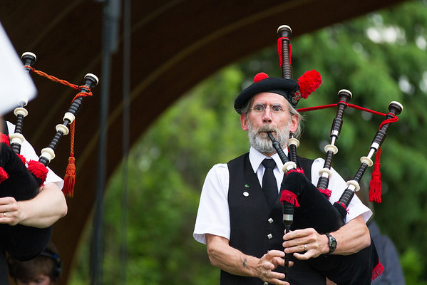 """Fairbanks Red Hackle Pipe Band kicks off Summer Sessions' Music in the Garden series at the Georgeson Botanical Garden.  <div class=""""ss-paypal-button"""">Filename: LIF-12-3426-47.jpg</div><div class=""""ss-paypal-button-end"""" style=""""""""></div>"""