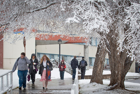 """Students walking around campus on Monday afternoon encountered the first snowfall of the semester.  <div class=""""ss-paypal-button"""">Filename: LIF-11-3199-64.jpg</div><div class=""""ss-paypal-button-end"""" style=""""""""></div>"""