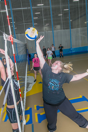 Intramural volleyball action on a Tuesday night at the Student Recreation Center.  Filename: LIF-14-4111-255.jpg