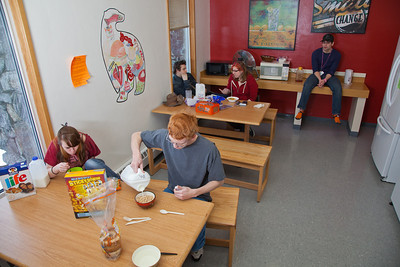Residents of Skarland Hall fend for themselves in their communal kitchen during spring break.  Filename: LIF-12-3322-056.jpg