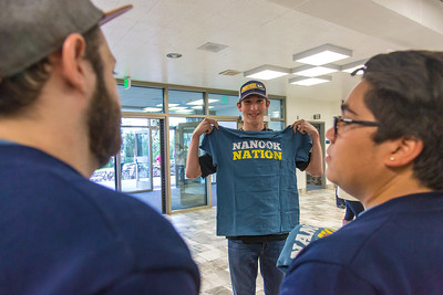 Returning students, staff and parents all pitch in to help new arrivals move into the residence halls during Rev It Up on the Fairbanks campus at the beginning of the fall 2015 semester.  Filename: LIF-15-4636-006.jpg