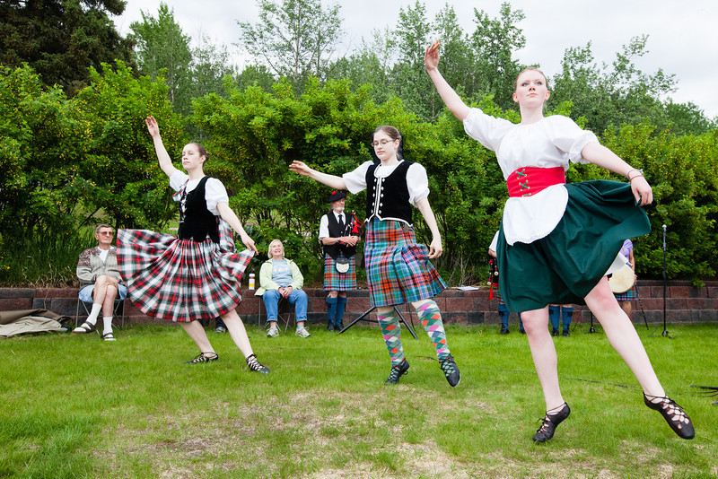 """Fairbanks Red Hackle Pipe Band kicks off Summer Sessions' Music in the Garden series at the Georgeson Botanical Garden.  <div class=""""ss-paypal-button"""">Filename: LIF-12-3426-69.jpg</div><div class=""""ss-paypal-button-end"""" style=""""""""></div>"""