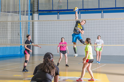Intramural volleyball action on a Tuesday night at the Student Recreation Center.  Filename: LIF-14-4111-235.jpg