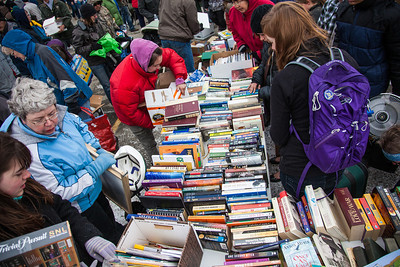 People brave the cold at the Really Free Market, May 18, 2013 on campus.  Filename: LIF-13-3844-38.jpg