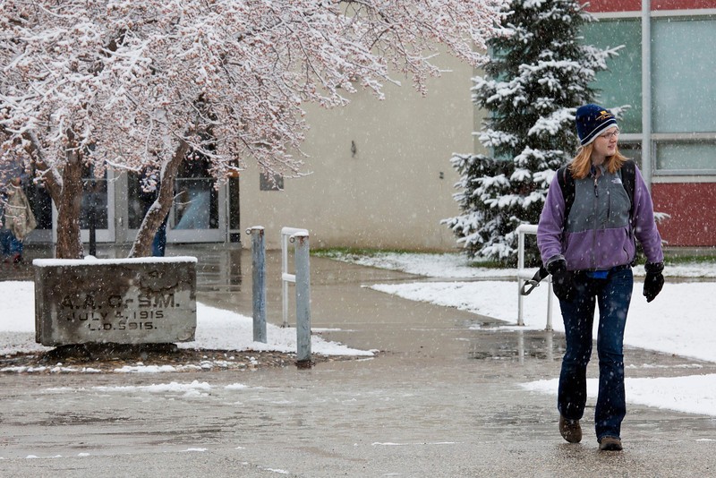 """Students leaving Bunnell on Monday afternoon encountered the first snowfall of the semester.  <div class=""""ss-paypal-button"""">Filename: LIF-11-3199-09.jpg</div><div class=""""ss-paypal-button-end"""" style=""""""""></div>"""