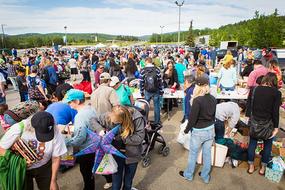 Hundreds of participants rummage through various items during UAF's Really Free Market.  Filename: LIF-16-4909-5.jpg