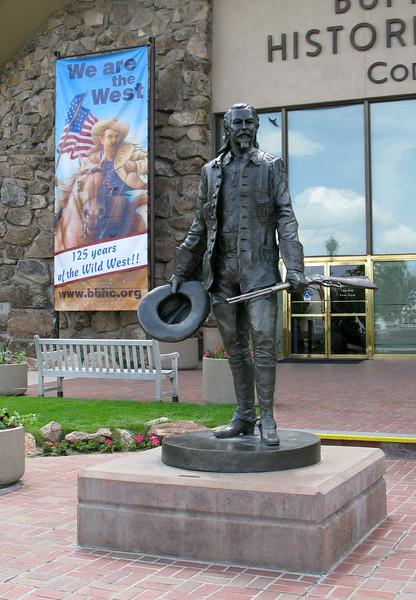 Buffalo Bill statue