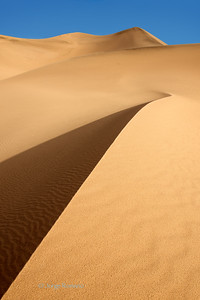 Sand dunes at Mesquite Flats in Death Valley National Park