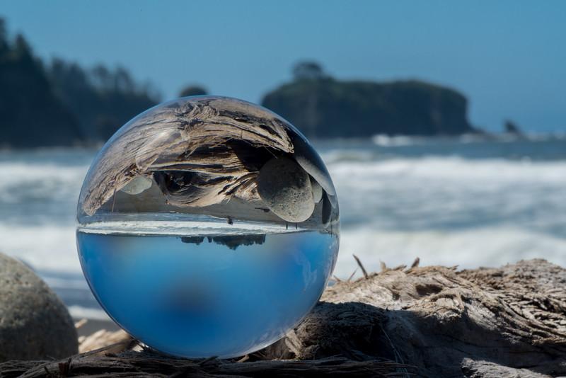 Rialtto Beach Glass Globe